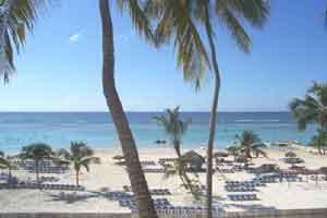 Hotel hamaca resort y casino todo incluido boca chica for Habitaciones sobre el mar