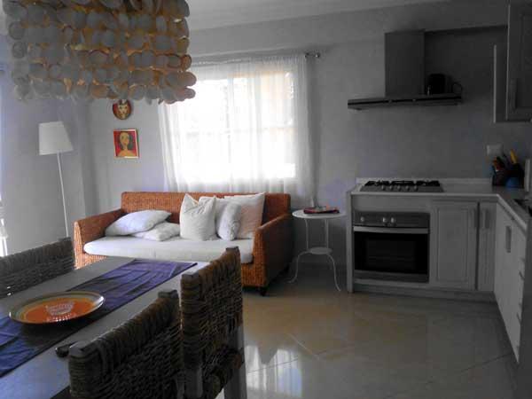 Las palmeras residence appartamento numero 18 vista mare - Divano in cucina ...