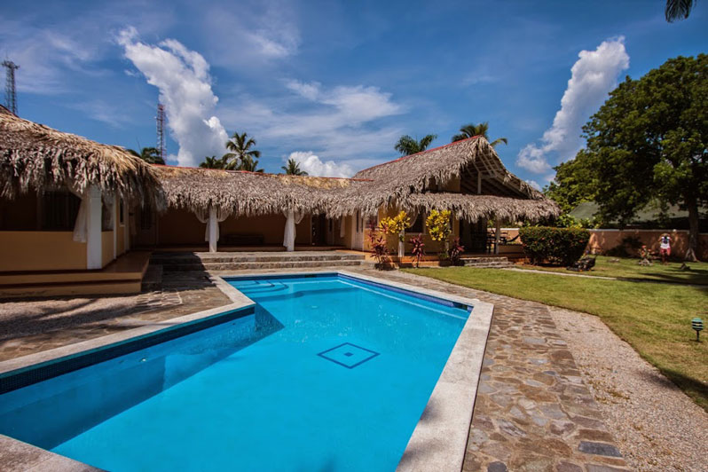 las terrenas senior singles Las terrenas paradise this is a free-standing villa located on a hilltop that is above the palm grove leading to the ocean, giving unrestricted views it is.