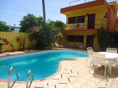 Si prenota online e si paga all arrivo nei piccoli hotel di boca chica santo domingo dominican - Piscina laghetto playa prezzo ...