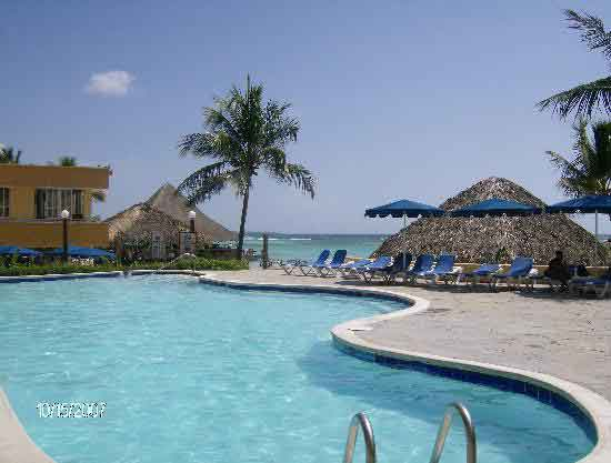 Hotel hamaca resort y casino todo incluido boca chica - Piscina de playa ...